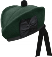 GPC-1073/pg. Highland Glengarry,  Plain, Green color, with black or green pom pom,  any size.